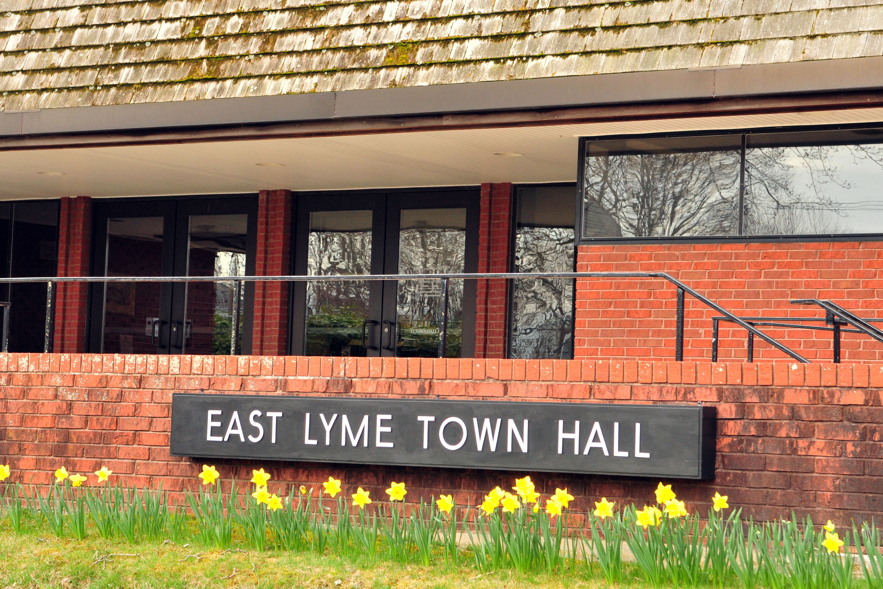 EastLymeTownHall-spring